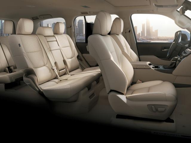Khổ như mua Toyota Land Cruiser: Người Việt chịu chênh giá 500 triệu, người Nhật xếp hàng đợi 1 năm mới có xe - Ảnh 3.