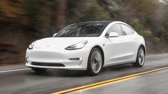 Cho bố vợ mượn xe, sếp Google suýt bay màu 14.000 USD vì ông cụ bấm nhầm nút trên chiếc Tesla Model 3 - Ảnh 1.