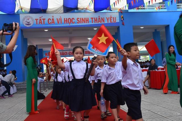 Học sinh cả nước tựu trường sớm nhất vào ngày 1-9  - Ảnh 1.