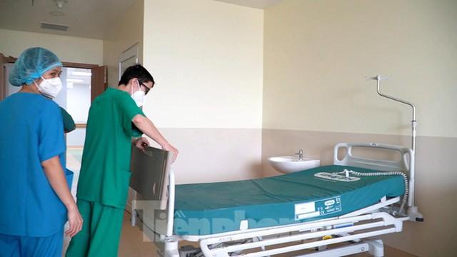 Cận cảnh khoa đặc biệt cho bệnh nhân vừa vượt qua cửa tử tại Bệnh viện Hồi sức COVID-19  - Ảnh 8.