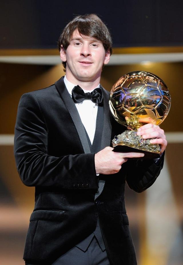 Toàn bộ sự nghiệp vĩ đại của Messi tại Barcelona qua ảnh - Ảnh 12.