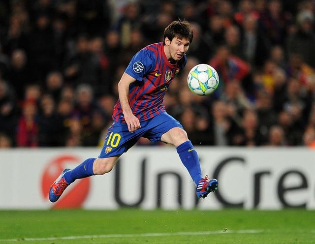 Toàn bộ sự nghiệp vĩ đại của Messi tại Barcelona qua ảnh - Ảnh 15.