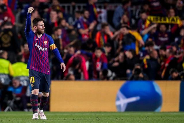 Toàn bộ sự nghiệp vĩ đại của Messi tại Barcelona qua ảnh - Ảnh 25.