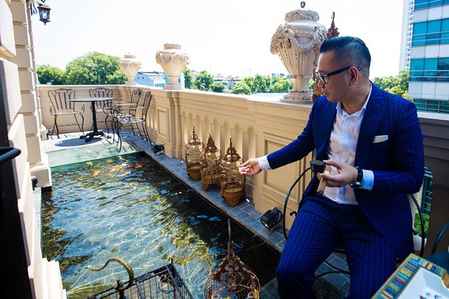 Đại gia Hà Nội xây biệt thự 9 tầng giữa lòng thành phố, chi 5 tỷ làm hồ cá, 10 tỷ mua chim quý - Ảnh 2.