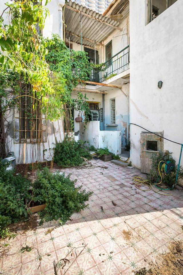 Biến nhà hoang thành nơi nghỉ dưỡng sang chảnh nhờ tường khung thép - Ảnh 1.