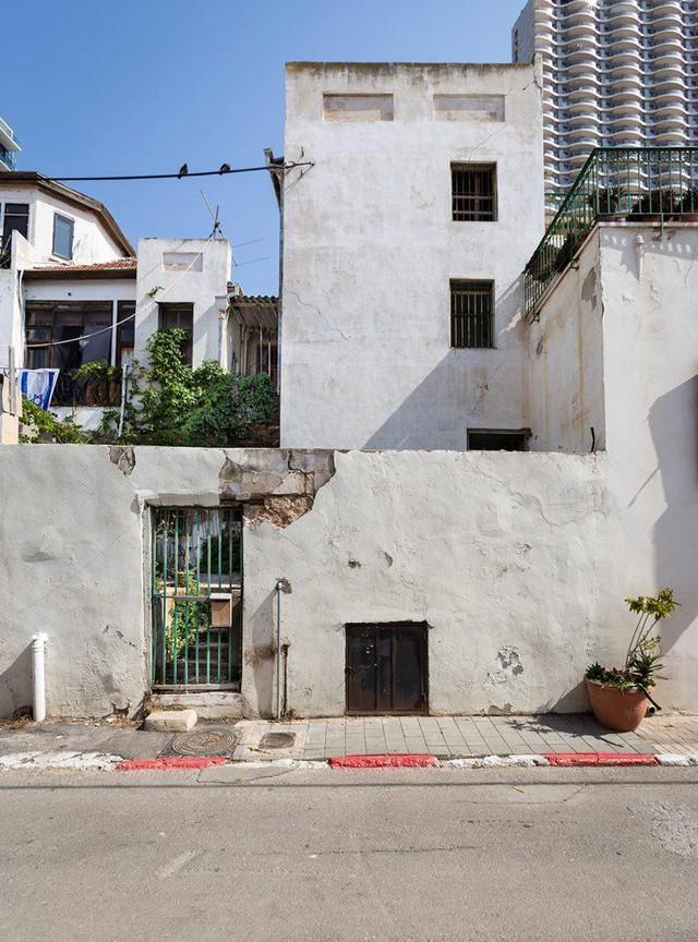 Biến nhà hoang thành nơi nghỉ dưỡng sang chảnh nhờ tường khung thép - Ảnh 2.