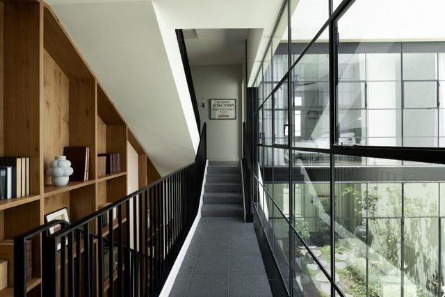 Biến nhà hoang thành nơi nghỉ dưỡng sang chảnh nhờ tường khung thép - Ảnh 11.