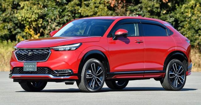 Top 10 ô tô bán chậm nhất tháng 8/2021: Isuzu mu-X và Suzuki Ertiga