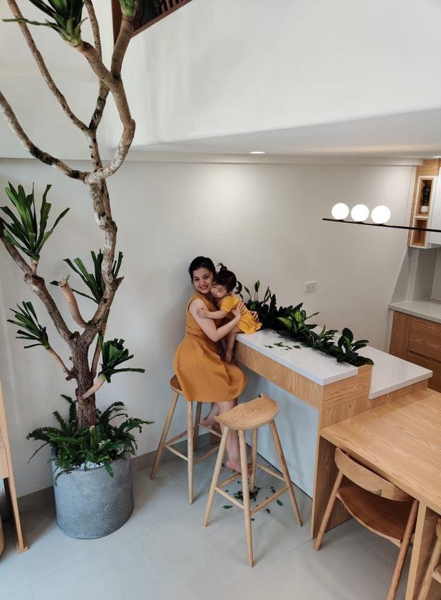 Vợ chồng trẻ xây ngôi nhà nhỏ mà có võ, chỉ rộng 30m2 mà như 60m2 khiến ai cũng bất ngờ - Ảnh 1.