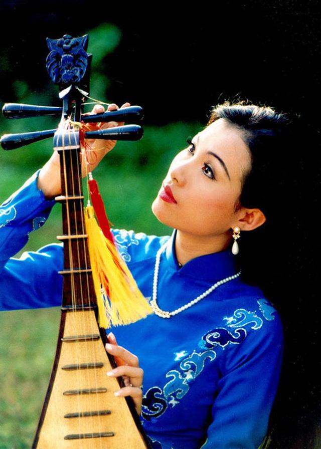 Đây chính là Hoa hậu giàu nhất Việt Nam: Ở nhà dát vàng, lấy chồng giáo sư, nghe cách dạy con chỉ biết thốt lên 1 chữ Tuyệt - Ảnh 1.