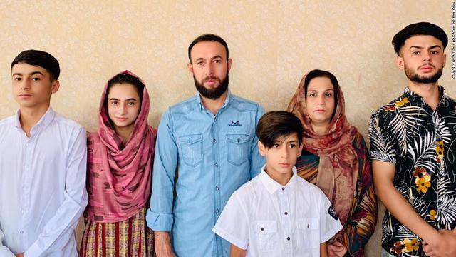 CNN: Đặt cược vào giấc mơ Mỹ, người đàn ông Afghanistan cùng 9 thành viên gia đình bỏ mạng bởi chiến dịch trả đũa khủng bố của Chính quyền Biden - Ảnh 5.