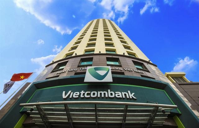 Phòng giao dịch Vietcombank sẽ là sân khấu livestream sao kê của Công Vinh Thủy Tiên - Ảnh 2.