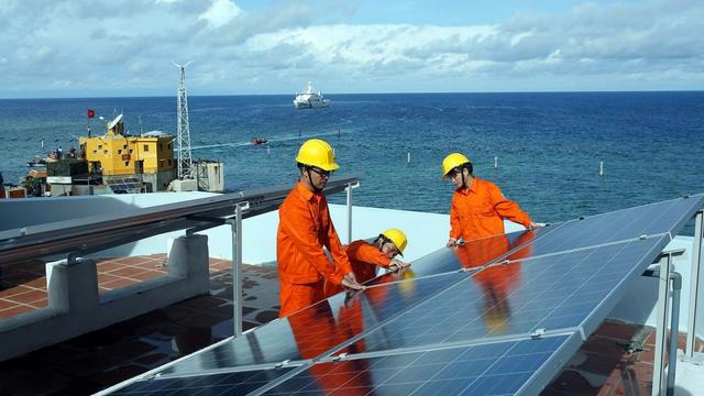 """Điện than được """"ưu ái"""" hơn năng lượng tái tạo là không hợp với xu thế - Ảnh 1."""
