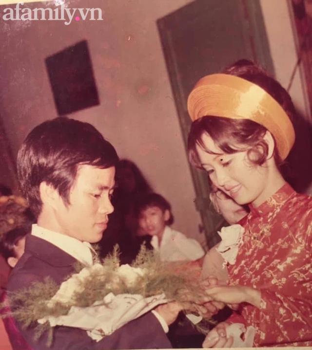 Đám cưới sang-xịn-mịn 46 năm trước của vị giám đốc Sài Gòn và cô nữ sinh Đà Lạt: Tình yêu bị ngăn cản, người đàn ông vượt ải táo bạo đến không ngờ!  - Ảnh 5.