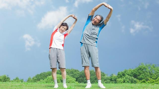 Sau 50 tuổi, 3 dưỡng chất này còn quan trọng hơn việc tập thể dục mỗi ngày, cung cấp đầy đủ để cơ thể khoẻ mạnh, sống lâu - Ảnh 1.