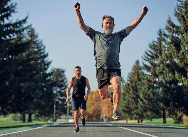 """Sau 50 tuổi, chạy bộ mỗi ngày có còn """"lý tưởng"""" hay chỉ đang đẩy nhanh quá trình """"lão hóa xương""""?  - Ảnh 2."""