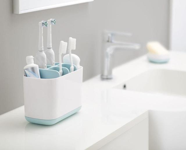 100 triệu vi khuẩn đang sinh sống trên bàn chải đánh răng của bạn: Vệ sinh không đúng cách, nguy cơ mắc bệnh tăng cao - Ảnh 2.