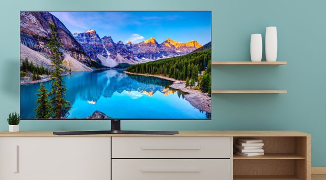 Loạt tivi đang giảm giá khủng trên thị trường, cao nhất gần 80%, cơ hội vàng cho người tiêu dùng - Ảnh 1.