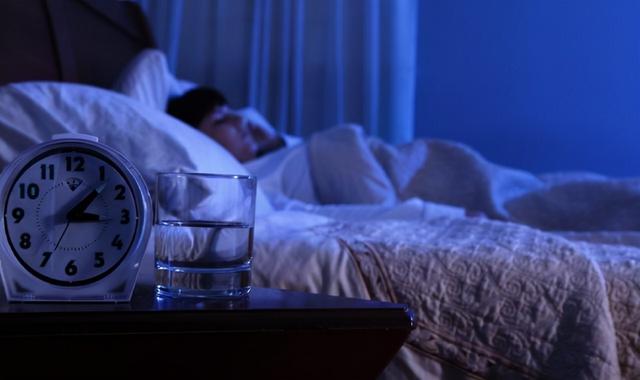 Cứ 3-4 giờ sáng là tỉnh giấc, có thể bạn đã mắc phải 3 chứng bệnh đáng sợ sau đây, đi khám sớm kẻo mất mạng - Ảnh 1.