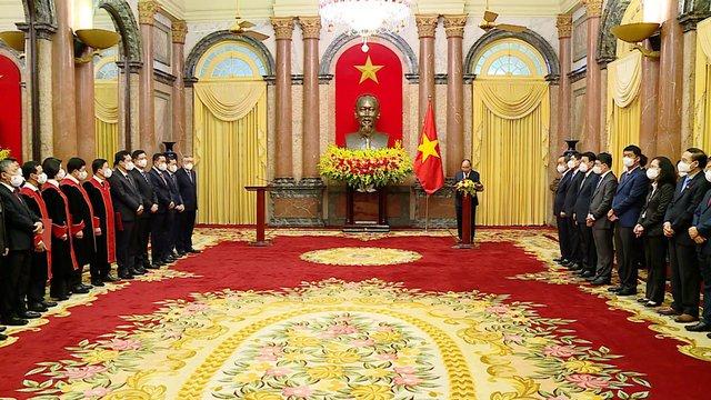 Chủ tịch nước trao quyết định bổ nhiệm 4 Thẩm phán TAND Tối cao - Ảnh 1.