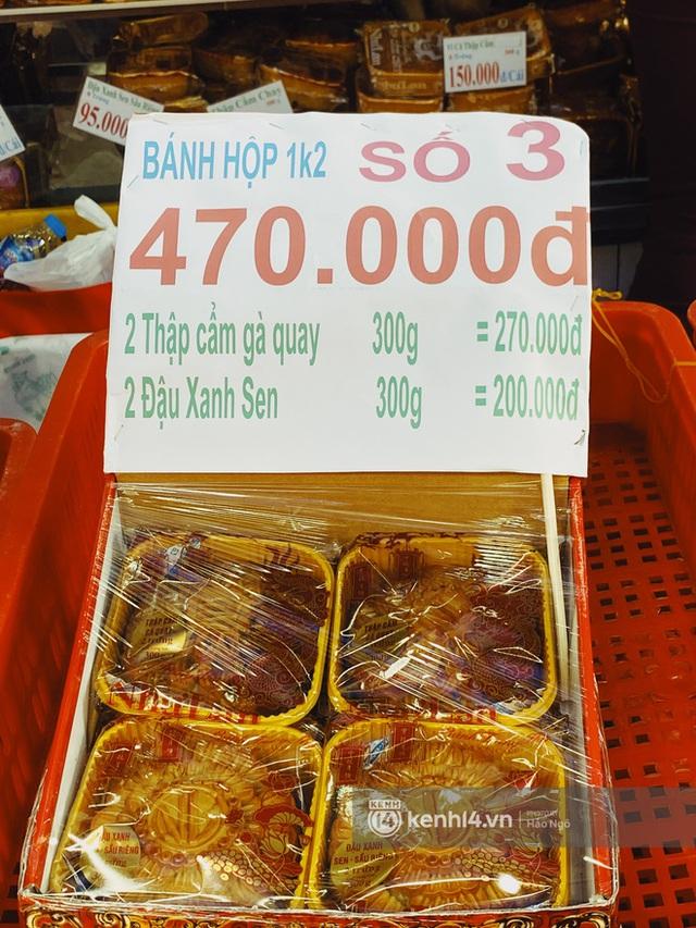 Bánh Trung thu Như Lan có 50 tuổi vẫn hot nhất Sài Gòn: Shipper đợi 2 tiếng chưa tới lượt, khách sộp mua hẳn 11 triệu tiền bánh! - Ảnh 15.