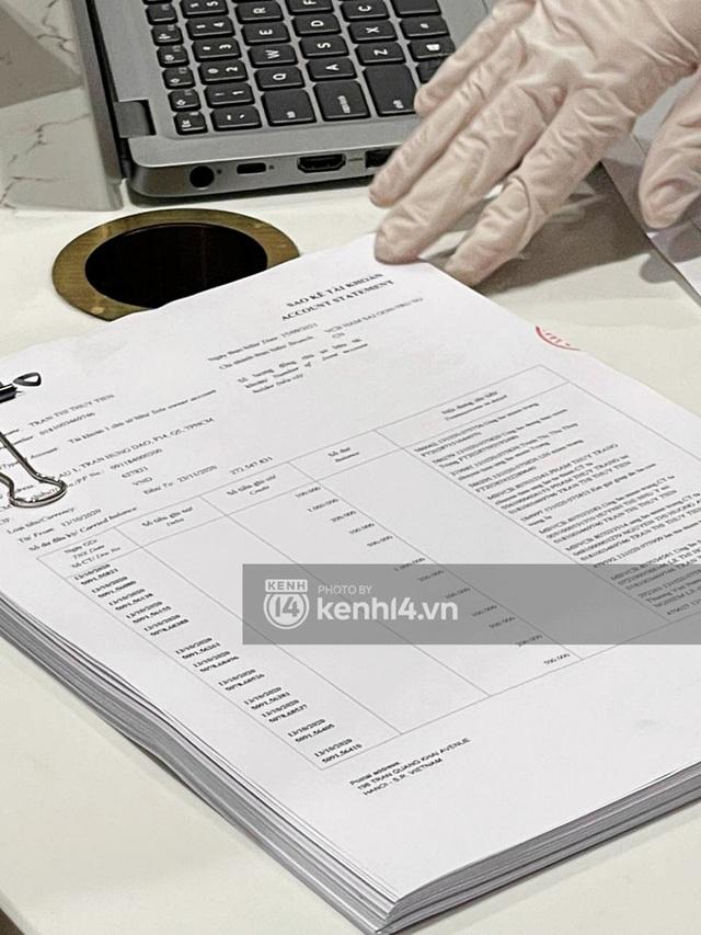 Chùm ảnh ĐỘC QUYỀN: Tất tần tật quá trình Thuỷ Tiên - Công Vinh làm thủ tục với 18.000 văn bản sao kê 177 tỷ trong ngân hàng! - Ảnh 4.