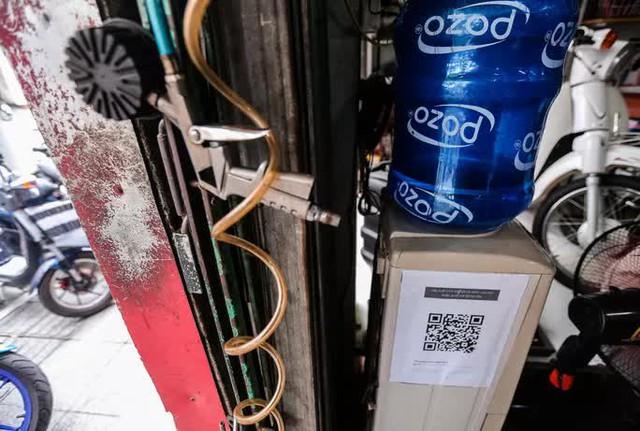 CLIP: Được mở trở lại, nhiều cửa hàng sửa chữa xe máy từ chối nhận khách vì quá tải  - Ảnh 6.