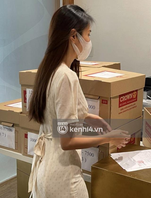 Thuỷ Tiên và Công Vinh ra về với 8 thùng sao kê 177 tỷ, tuyên bố sẽ khởi kiện và công khai minh bạch chuyện từ thiện - Ảnh 10.