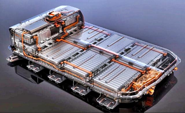 Chi phí giảm 89% trong 10 năm qua nhưng vẫn ở mức trung bình 6.300 USD/khối, vì sao giá pin xe điện cắt cổ như vậy? - Ảnh 1.