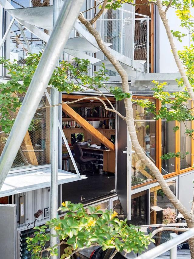 Gia đình ba thế hệ thiết kế ngôi nhà đặc biệt chỉ toàn ánh sáng và cây xanh ở Nhật Bản - Ảnh 20.
