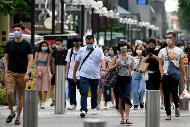 Lạc lõng, cô lập: Đây là những gì người không tiêm vaccine Covid tại Singapore đang cảm thấy ngay lúc này - Ảnh 3.