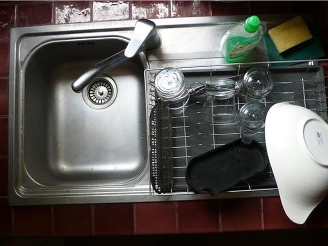 9 cách làm sạch khiến nhà cửa bẩn hơn, bạn phải né ngay lập tức - Ảnh 3.