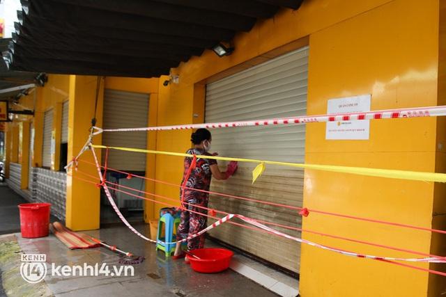 Người Sài Gòn rần rần đặt đồ ăn online: Quán xá chuẩn bị hàng trăm đơn, shipper hoạt động hết công suất mới kịp giao cho khách - Ảnh 23.