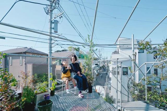Gia đình ba thế hệ thiết kế ngôi nhà đặc biệt chỉ toàn ánh sáng và cây xanh ở Nhật Bản - Ảnh 29.