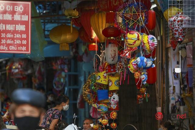 Phố Hàng Mã tất bật mở cửa bán hàng Trung thu - Ảnh 5.