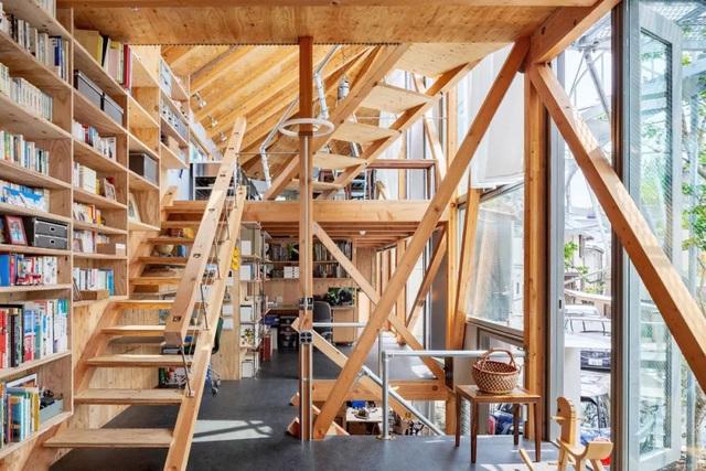 Gia đình ba thế hệ thiết kế ngôi nhà đặc biệt chỉ toàn ánh sáng và cây xanh ở Nhật Bản - Ảnh 10.