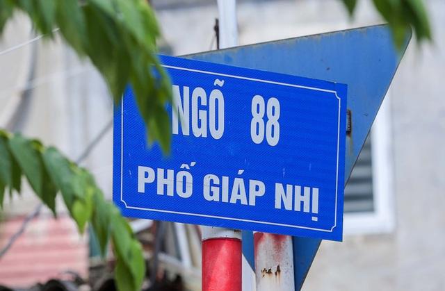 CLIP: Phong toả 1 khu dân cư có ca nhiễm SARS-CoV-2 là người bán rau củ quả online  - Ảnh 3.