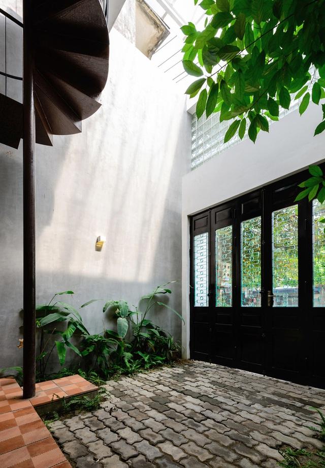 Cặp vợ chồng 9x bỏ Hà Nội về Thái Nguyên tậu cơ ngơi hoành tráng, tận hưởng cuộc sống yên bình với khu vườn trên cao cực chất  - Ảnh 14.