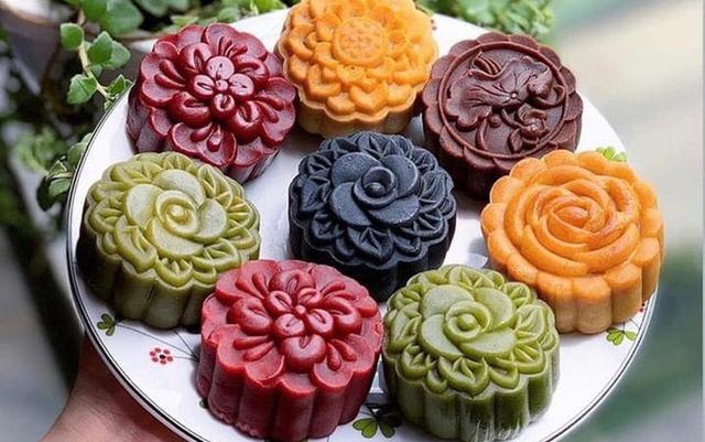 Thị trường bánh trung thu ế ẩm chưa từng thấy dù nhiều mẫu bánh độc lạ ra lò - Ảnh 4.