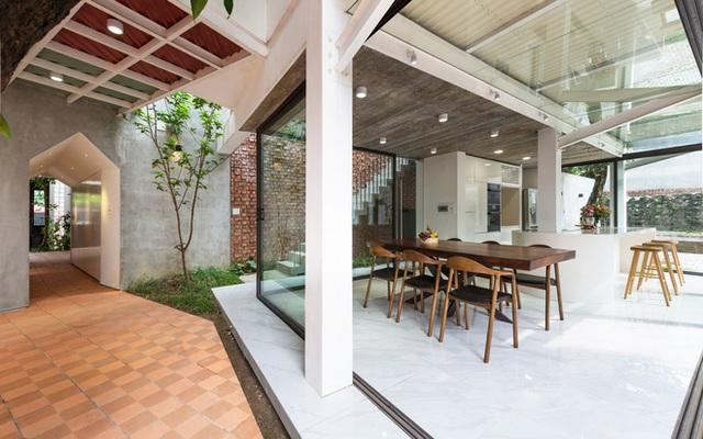 Cặp vợ chồng 9x bỏ Hà Nội về Thái Nguyên tậu cơ ngơi hoành tráng, tận hưởng cuộc sống yên bình với khu vườn trên cao cực chất  - Ảnh 4.