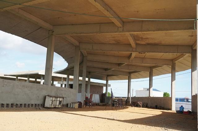 Dự án 670 tỉ đồng đắp chiếu, thành bãi chăn bò  - Ảnh 4.