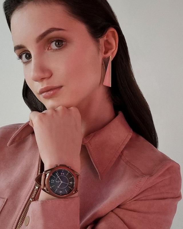 Nữ tay đua xinh đẹp lọt vào danh sách 100 mỹ nhân quyến rũ nhất nước Nga  - Ảnh 7.