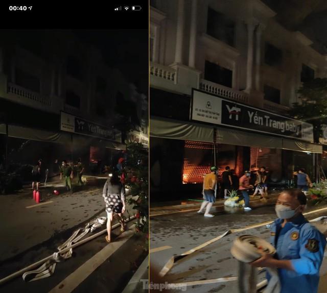 Cháy lớn thiêu rụi ngôi nhà ở chợ quần áo lớn nhất Hà Nội - Ảnh 8.
