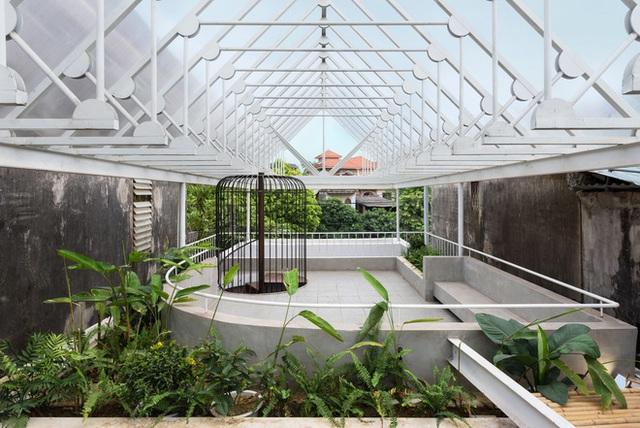Cặp vợ chồng 9x bỏ Hà Nội về Thái Nguyên tậu cơ ngơi hoành tráng, tận hưởng cuộc sống yên bình với khu vườn trên cao cực chất  - Ảnh 9.