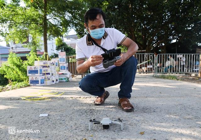 Ảnh: Cận cảnh địa phương đầu tiên tại Hà Nội sử dụng flycam giám sát người dân tại khu vực phong toả - Ảnh 2.