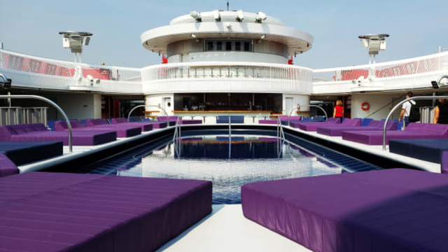 Khám phá chiếc du thuyền chỉ dành cho người lớn của tỷ phú Richard Branson - Ảnh 1.