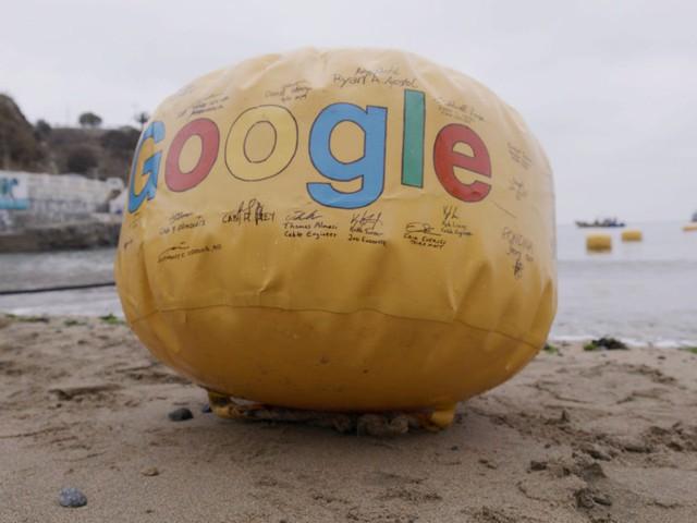 Google, Facebook đặt hàng nghìn dặm cáp quang dưới đáy biển như thế nào? - Ảnh 2.