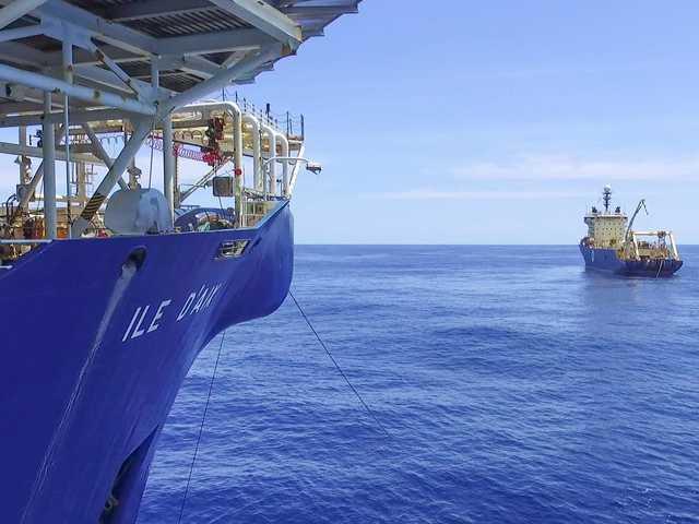 Google, Facebook đặt hàng nghìn dặm cáp quang dưới đáy biển như thế nào? - Ảnh 5.