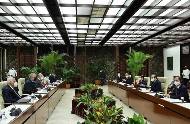 Chủ tịch nước cảm ơn Cuba sẵn sàng hợp tác sản xuất vắc-xin Abdala với Việt Nam  - Ảnh 1.