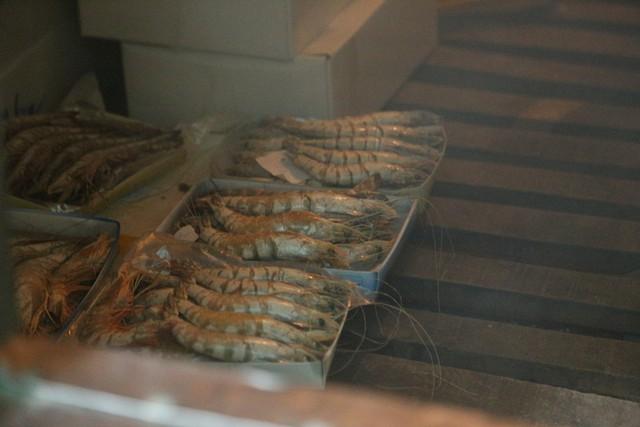 Hàng ngàn tấn hải sản nằm kho lạnh vì dịch, chủ hàng lo phá sản vì phải bù lỗ tiền điện - Ảnh 2.